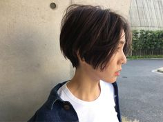 Short with slope Girl Short Hair, Short Hair Cuts, Queer Hair, Medium Hair Styles, Short Hair Styles, Hair Inspiration, Hair Inspo, Cabello Hair, Hair Reference