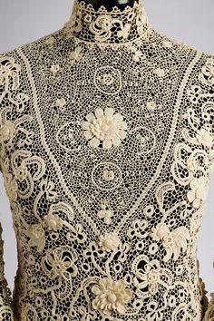 : Collection: Textile and Costume Collection Artist/Maker: Szontagh, Aranka / designer Date: 1905 - 1910 Place of production: Csetnek (Štítnik) Materials cotton thread, needlepoint lace Techniques crochet Dimensions: length: 48 cm Irish Crochet, Crochet Lace, Free Crochet, Crochet Edgings, Crochet Blouse, Crochet Motif, Crochet Shawl, Lace Embroidery, Vintage Embroidery