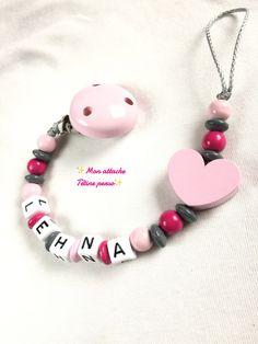 attache tétine personnalisée perles en bois ~ modèle coeur rose clair gris fuschia : Puériculture par mon-attache-tetine-perso