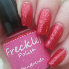 Sneek peek! Today I'm wearing Santa Baby which is part of The Christmas Collection, this will be released on Friday 28th November! It's a red jelly base filled with gold flakies! Www.etsy.com/shop/frecklespolish #frecklespolish #nailartwow #nailsforyummies #nofilter #nailpolish #naturalnail #nailartoohlala #nailsofinstagram #nailvarnish #nailstagram #notd #nailpromote #nailporn #nailaddict #nailartheaven #indienails #instanails #indie #indiepolish #ignails #ukindies #indieswatch…