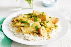 Yellow fish curry main image
