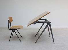 minutesoffunk:    Friso Kramer chair and drawing table