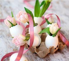 Eierschaal vaasjes als paasdecoratie - Eggshell vases as Easter decoration #flower
