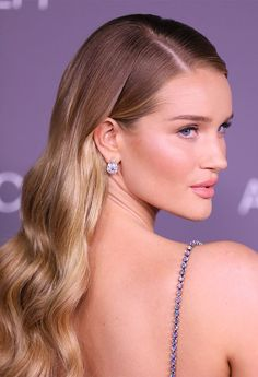 Rosie HuntingtonWhiteley attends the 2017 LACMA Art Film Gala Honoring Mark Bradford and George Lucas presented by Gucci at LACMA on November 4 Formal Hairstyles, Down Hairstyles, Pretty Hairstyles, Straight Hairstyles, Wedding Hairstyles, Ball Hairstyles, Hair Inspo, Hair Inspiration, Rosie Huntington Whiteley Makeup