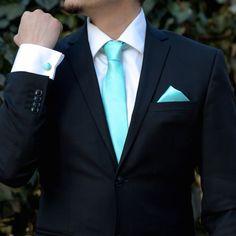 Setul de ocazie aquamarine, format din cravata, batista si butoni camasa te duce cu gandul la o nunta de primavara sau vara, unde culorile oceanice fac parte din decorul nuntii. Accesoriile handmade care alcatuiesc acest set elegant pentru nunta sunt potrivite atat pentru mire, cat si pentru cavalerii de onoare, mai ales daca rochiile domnisoarelor de onoare sunt realizate in aceasta culoare ce inspira prospetime si buna dispozitie. Daca nunta are o tenta usor casual, setul de accesorii cu… Suits, Casual, Fashion, Moda, Fashion Styles, Suit, Wedding Suits, Fashion Illustrations