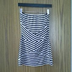 """NWT black and white striped tube top WHBM black and white striped tube top, NWT. Super comfy material, inside front edge has rubber strip to hold it in place and it has a lightly supportive built in shelf bra with elastic. 16.5"""" long. Great for spring under a jacket or cardigan and by itself for summer! White House Black Market Tops"""