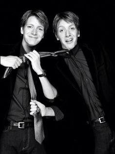Weasley twins. So cute ❤