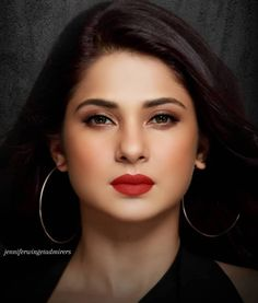Lovely Girl Image, Cute Girl Photo, Girl Photo Poses, Jennifer Winget Beyhadh, Bollywood Girls, Actress Wallpaper, Stylish Girl Images, Jennifer Love, Cute Beauty