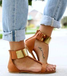 2a0e2d2e8e31f We love. Subtiele tattoos op je voet