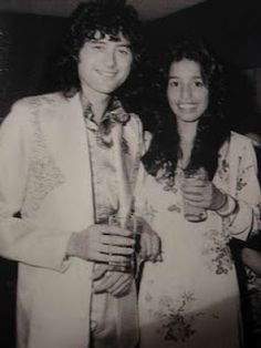 Lori Maddox at age 13 with boyfriend Jimmy Page of Led Zeppelin. via sacheverelle a little young aye jimmy? Pamela Des Barres, The Band, John Bonham, Rock N Roll, Famous Groupies, Tour Manager, Elevator Music, John Paul Jones, Greatest Rock Bands