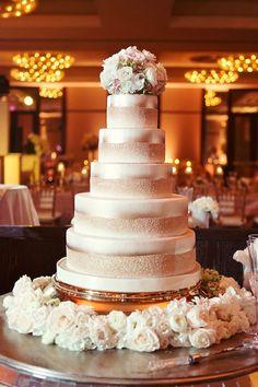 bolos-de-casamentos-luxo.jpg (736×1104)