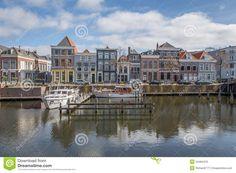 dutch-harbor-homes-waterfront-walled-fortress-city-gorinchem-54484410.jpg (1300×957)