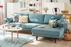 Скандинавский интерьер – один из самых узнаваемых. Отличить его можно по светлым стенам и мебели простых форм, минимализму и чистоте форм. Расскажем, как не ошибиться при выборе мебели.
