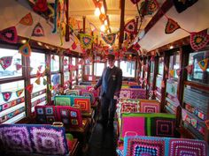 Yarn Bombing, Tram 302 of Bendigo Tramways Grannies Crochet, Crochet Crowd, Yarn Bombing, Crochet Art, Learn To Crochet, Crochet Ideas, Crochet Patterns, Freeform Crochet, Crochet Crafts