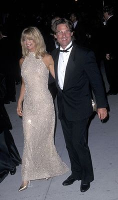 Goldie Hawn and Kurt Russell--such a good looking couple. Both great actors & Goldie is naturally funny!