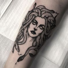 Find the tattoo artist and the perfect inspiration to make your tattoo. Tattoos 3d, Love Tattoos, Beautiful Tattoos, Tattoo Drawings, Body Art Tattoos, Small Tattoos, Tatoos, Tigh Tattoo, Snake Tattoo