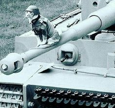Peace was never an option. Military Humor, Military Weapons, Military Art, German Soldiers Ww2, German Army, Tiger Tank, Ww2 Photos, War Dogs, Ww2 Tanks