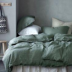 """BoligPluss on Instagram: """"Det skal mer til enn er fint soverom for å sove godt om natten! Her får du gode tips for hvordan du velger en riktig seng for deg! Sov…"""""""