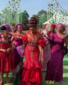 African Wear, African Attire, African Fashion, African Blouses, African Lace Dresses, Nigerian Wedding Dresses Traditional, Igbo Bride, Igbo Wedding, Lace Gown Styles