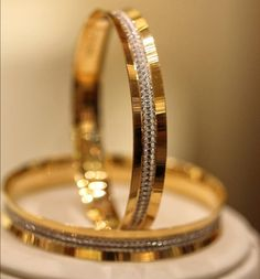 How Sell Gold Jewelry Plain Gold Bangles, Gold Bangles For Women, Mens Gold Bracelets, Gold Bangles Design, Gold Earrings Designs, Gold Bangle Bracelet, Diamond Bangle, Gold Jewellery Design, Gold Jewelry