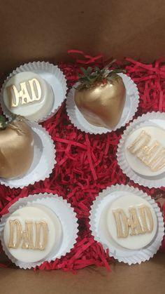 Fun Food, Good Food, Mini Wedding Cakes, Chocolate Decorations, Chocolate Covered Oreos, Oreo Cookies, Strawberry, Cupcakes, Treats