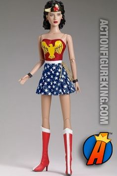 dcb6937e7b6b Tonner Doll Company has announced their San Diego Comic-Con 2014  Exclusives. It looks like a Vintage Wonder Woman and Sheldon Cooper (The  Big Bang Theory)
