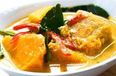 16 Healthy Clean Eating Pumpkin Recipes for Fall! Curry Recipes, Asian Recipes, Vegetarian Recipes, Cooking Recipes, Healthy Recipes, Ethnic Recipes, Vegetable Recipes, Healthy Eats, Thai Pumpkin Curry