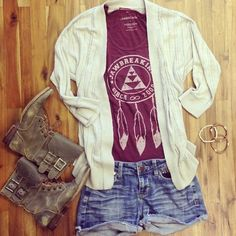I wouldn't wear the shorts but other than that this outfit is really cute
