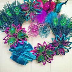 #peacockcoloredwreath #tealwreath #purplewreath #peacockwreath #peacock #peacockcolors #holidaydecor #gemstonewreath #gemstone