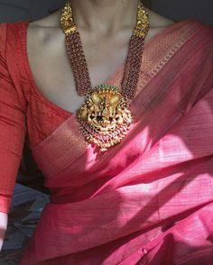 Saree Jewellery, Temple Jewellery, Jewellery Rings, Jewellery Shops, Gold Jewellery Design, Gold Jewelry, Gold Necklace, Handmade Jewellery, Silver Necklaces