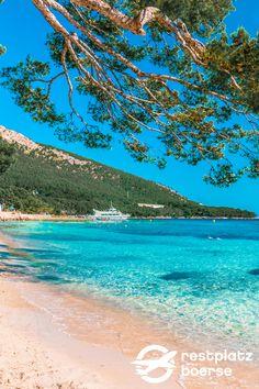 Mallorca kann nicht nur mit dem Ballermann punkten sondern auch mit seinen wunderschönen Stränden #Reisetipps #Beaches #Strände #Spain #Urlaub #Tipps Hotels, Strand, Water, Outdoor, Travel, Island, Family Vacations, Villas