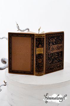 """Ein wunderschönes altes Buch in altdeutscher Schrift  Heinrich von Kleist's """"Sämmtliche Werke"""".  Passt toll zum Shabby-Stil.  Das Buch ist bestimmt mi"""