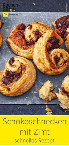 Einfaches Rezept für Schokoschnecken mit Zimt. Sweet Bakery, Cupcakes, Bagel, Bread, Food, Scandinavian Recipes, Puff Pastry Recipes, Bedside Desk, Cinnamon