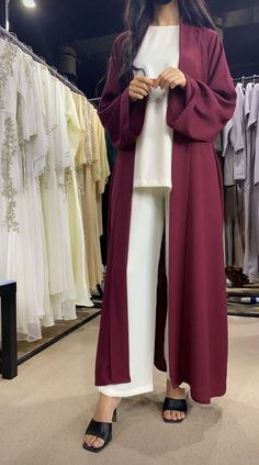 Maxi Skirt Winter, Mode Abaya, Abaya Designs, Abaya Fashion, Duster Coat, Abaya Style, Lingerie, Abayas, Dubai