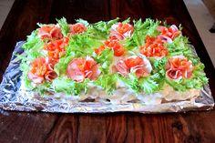 Kääpiölinnan köökissä: Juhlatäpinää vol 2 Vol 2, Ethnic Recipes, Desserts, Buns, Breads, Food, Tailgate Desserts, Bread Rolls, Deserts