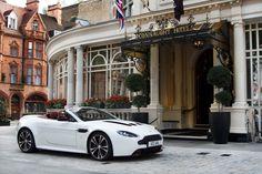 Aston Martin V12 Vantage Volante