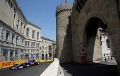 Felipe Nasr em ação no treino classificatório para o GP da Europa, em Baku (Foto: EFE)
