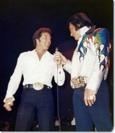 Tom Jones and Elvis Presley : On stage : 1973. I am over the MOON!!! I love these 2 men <3