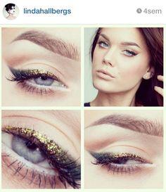 Gold glitter eyeliner