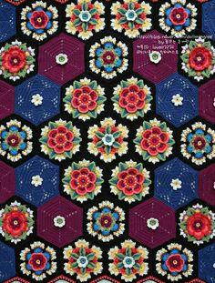 전통 꽃창살무늬가 연상되는 정말 욕심나는 블랭킷 입니다..ㅎ Frida's Flowers Blanket pattern by Ja... Cal 2016, Crochet Cord, Blanket Shawl, Manta Crochet, Cute Crafts, Eminem, Charts, Mandala, Crochet Patterns