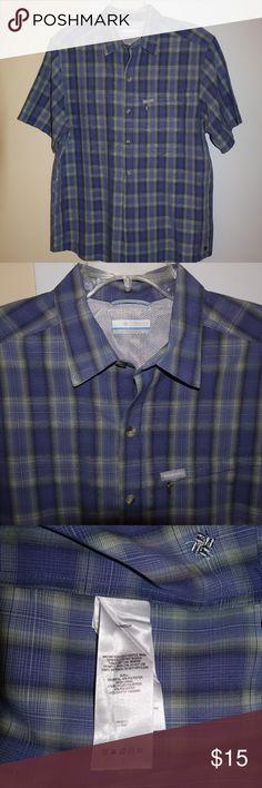 Columbia Button-Up Short Sleeve Shirt Omni-shade sun protection. Bundle and save on shipping. Columbia Shirts