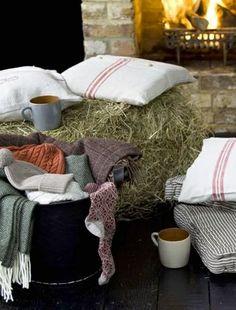 Autumn Themed Party Ideas - Seasonal Ideas - Event Ideas - Warmth - Blankets