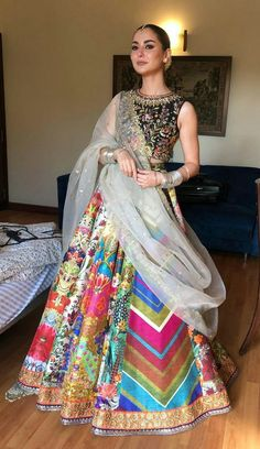 Fancy Wedding Dresses, Party Wear Indian Dresses, Designer Party Wear Dresses, Pakistani Dresses Casual, Indian Gowns Dresses, Pakistani Bridal Dresses, Dress Indian Style, Pakistani Dress Design, Indian Wedding Outfits