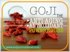 Best berry for eye health according to Chinese Medicine. Goji berries are jam packed with antioxidants and have a number of anti-aging benefits. Health, diet, and nutrition. Healthy Food Options, Healthy Recipes, Healthy Meals, Benefits Of Organic Food, Health Benefits, Benefits Of Berries, Health And Wellness, Health Diet, Holistic Nutrition