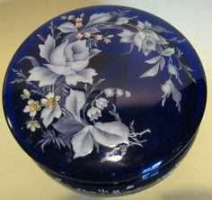"""GIANT extremely beautiful antique Victorian blue glass trinket box, dressing table, sweet container. roses, flowers, 7,1 """" diameter!!!"""