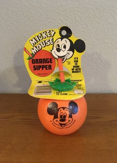 Vintage Mickey Mouse Orange Sipper- Disney Mickey Sipper in Original Packaging by MagicalNostalgia on Etsy My Childhood Memories, Sweet Memories, Retro Toys, Vintage Toys, Disney Princess Facts, Disney Facts, Disney Princesses, Disney Mickey, Punk Disney