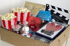 """Film romantici, pop corn e qualche ingrediente in più per creare un """"movie basket"""", idea per San Valentino ma anche per addolcire una normale serata a due"""