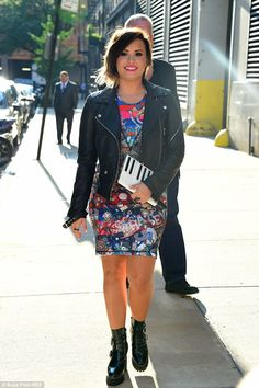 apple hair style the 166 best demi lovato dresses images on 3428