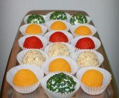Drożdżówki z truskawkami i lukrem jest to przepis stworzony przez użytkownika AgaSawa. Ten przepis na Thermomix<sup>®</sup> znajdziesz w kategorii Słodkie wypieki na www.przepisownia.pl, społeczności Thermomix<sup>®</sup>. Feta, Muffin, Eggs, Breakfast, Morning Coffee, Muffins, Egg, Cupcakes, Egg As Food