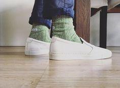Alfredo Gonzalez socks with World of No Label shoes. R. Rijswijk